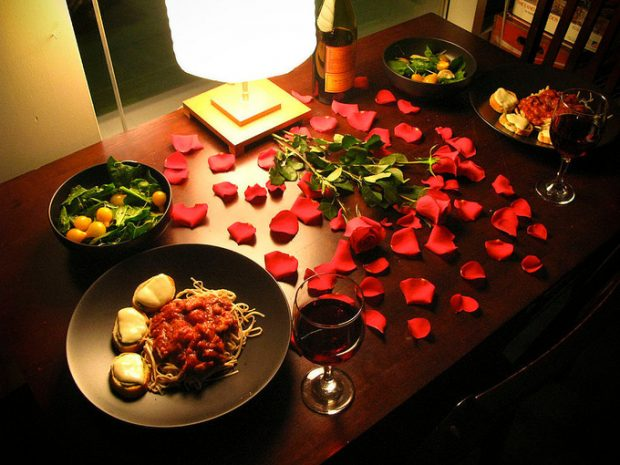 Романтичный подарок ему